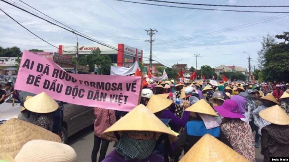 Hàng ngàn người biểu tình phản đối Formosa tại Hà Tĩnh, ngày 01 tháng 09 năm 2016.