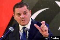 لیبیا کے وزیراعظم عبدالحمید دبایبہ طرابلس میں ایک پریس کانفرنس میں خطاب کر رہے ہیں۔ فائل فوٹو