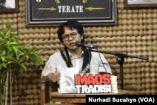 Penulis buku Tonggak Politik dan dosen UGM, Arie Sujito. (Foto: VOA/Nurhadi Sucahyo)
