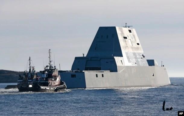 美國朱姆沃爾特號驅逐艦有著獨一無二的造型,船體內傾,表面平整,雷達、天線和砲管都收藏在艦體內