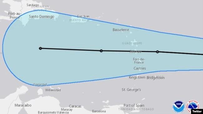 Trayectoria de huracán Isaac, proporcionada por la Administración Nacional Oceánica y Atmosférica (NOAA), el lunes 10 de septiembre de 2018.