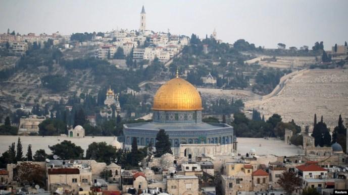 Một phần Cổ thành Jerusalem với Mái vòm Đá của điện thờ Hồi giáo trên Núi Đền, ngày 5 tháng 12, 2017