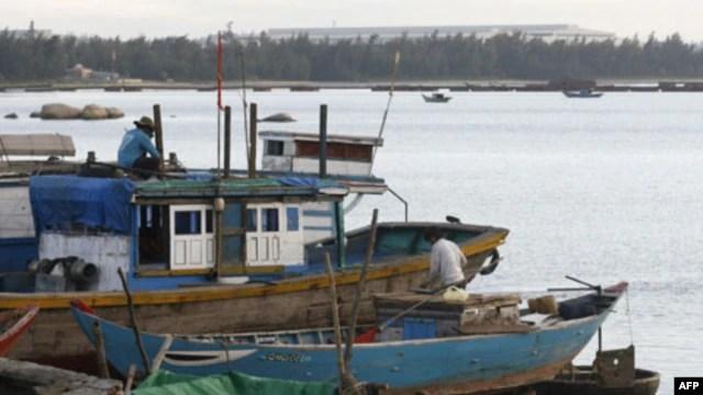 Tàu đánh cá của ngư dân Việt Nam ở tỉnh Quảng Ngãi