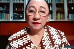 Guru Besar Hukum dan mantan Hakim Konstitusi Prof Maria Farida Indrati. (Foto: VOA/Nurhadi)