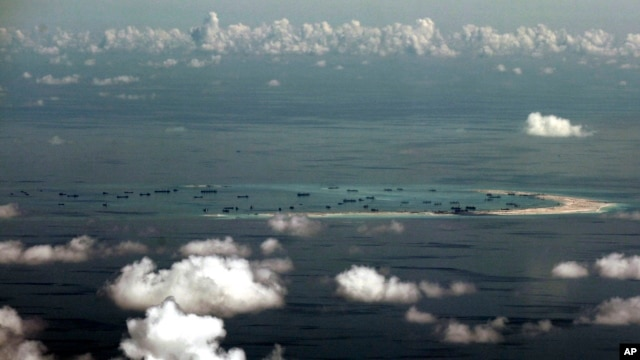Trong thời gian gần đây, Trung Quốc đã ráo riết xây đảo nhân tạo ở Biển Đông.