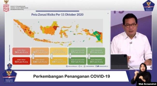 Juru Bicara Satgas Penanganan COVID-19 Prof Wiku Adisasmito dalam telekonferensi pers di Graha BNPB , Jakarta, Selasa (13/10) mengatakan 65 persen kabupaten / kota di Indonesia masuk ke dalam zona oranye (screenshot)