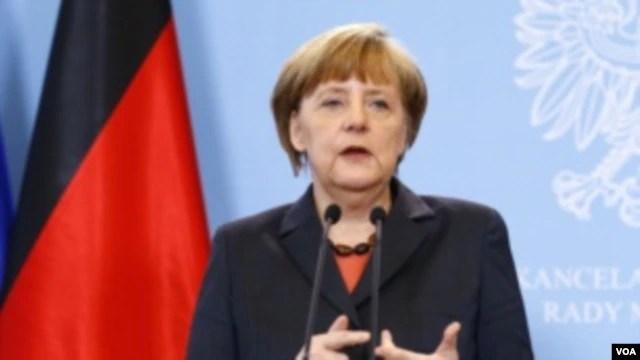 Thủ tướng Đức Angela Merkel nói EU sẽ áp đặt trừng phạt đối với Nga nếu nước này không tiến hành việc thành lập một nhóm liên lạc để thảo luận về khủng hoảng Crimea.