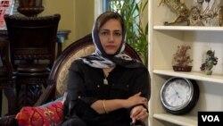 عاصمہ شیرازی، وائس آف امریکہ کے ساتھ انٹرویو کے دوان