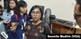 Ketua Umum Yayasan Lembaga Bantuan Hukum Indonesia (YLBHI) Asfinawati. (Foto: Sasmito Madrim/VOA)