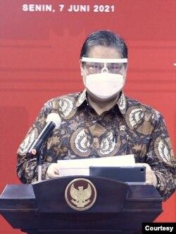 Menko Perekonomian Airlangga Hartarto mengklaim kondisi Pandemi COVID-19 di Indonesia terkendali. (Biro Setpres)