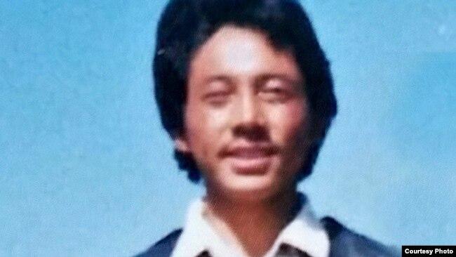 西藏导游贡却津巴因为西方媒体提供新闻资讯被判处21年徒刑,在服刑近8年时,他因在狱中受虐于2021年2月6日死亡。
