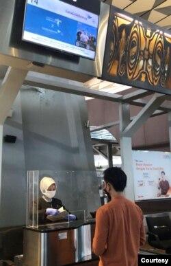 Bandara berlakukan protokol kesehatan. (Foto: Koleksi pribadi Dimas Ramadhan)