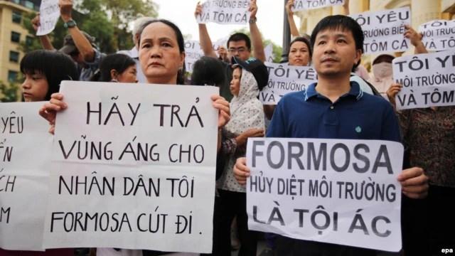 Người dân biểu tình phản đối công ty Formosa ở Hà Nội, Việt Nam, ngày 1 tháng 5 năm 2016.
