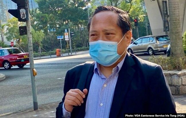 本身是律师的民主党前主席何俊仁表示,8/18案的检控以及公安条例的合宪性受到质疑及挑战(美国之音/汤惠芸)