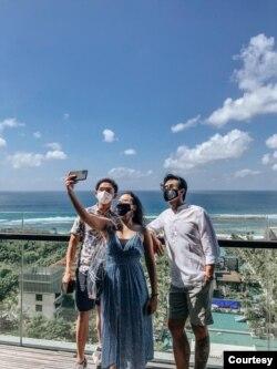 Dimas, Jovita, Dion, Promosikan wisata domestik yang mematuhi protokol kesehatan. (Foto: Koleksi Pribadi Dimas Ramadhan)