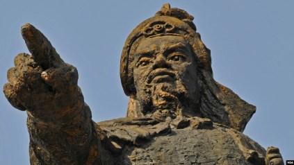 Image result for Dời lư hương Đức Thánh Trần Hừng Đạo
