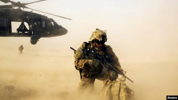 Perang digencar di Afghanistan untuk mencari Osama bin Laden.