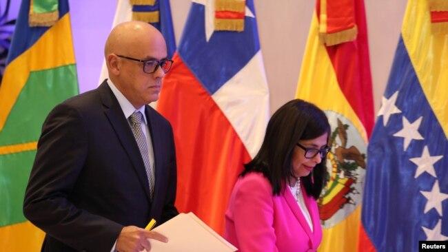Jorge Rodriguez, ministro de Comunicaciones e Informacón de Venezuela, asistió al diálogo entre el gobierno y la oposición venezolana en Santo Domingo, República Dominicana, el martes, 6 de febrero de 2018.