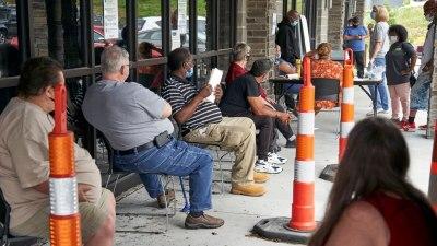 Klaim Tunjangan Pengangguran di AS Naik Sedikit Pertengahan Juni 2021