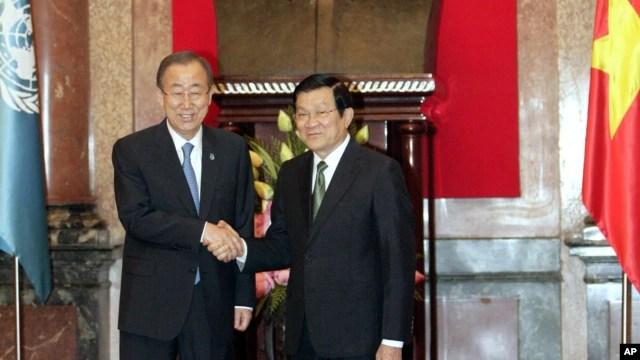 Tổng thư ký Liên Hiệp Quốc thảo luận với Chủ tịch Trương Tấn Sang về các mối quan tâm liên quan tới an ninh khu vực, ở Hà Nội, 22/5/2015.