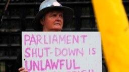 El Palacio de Buckingham no quiso comentar el fallo porque, dijo, es un asunto del gobierno.
