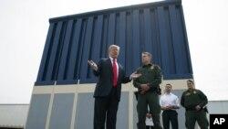 ABD Başkanı Donald Trump Meksika sınırına duvar örmek konusunda ısrar ediyor.
