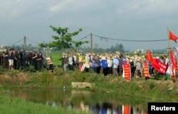 Một vụ cưỡng chế đất đai ở Nam Định năm 2012.
