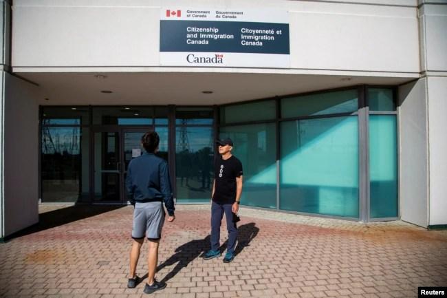 加拿大多伦多支持香港民主运动的艾瑞克∙李创办组织帮助香港新移民融入加拿大。(2021年6月15日)