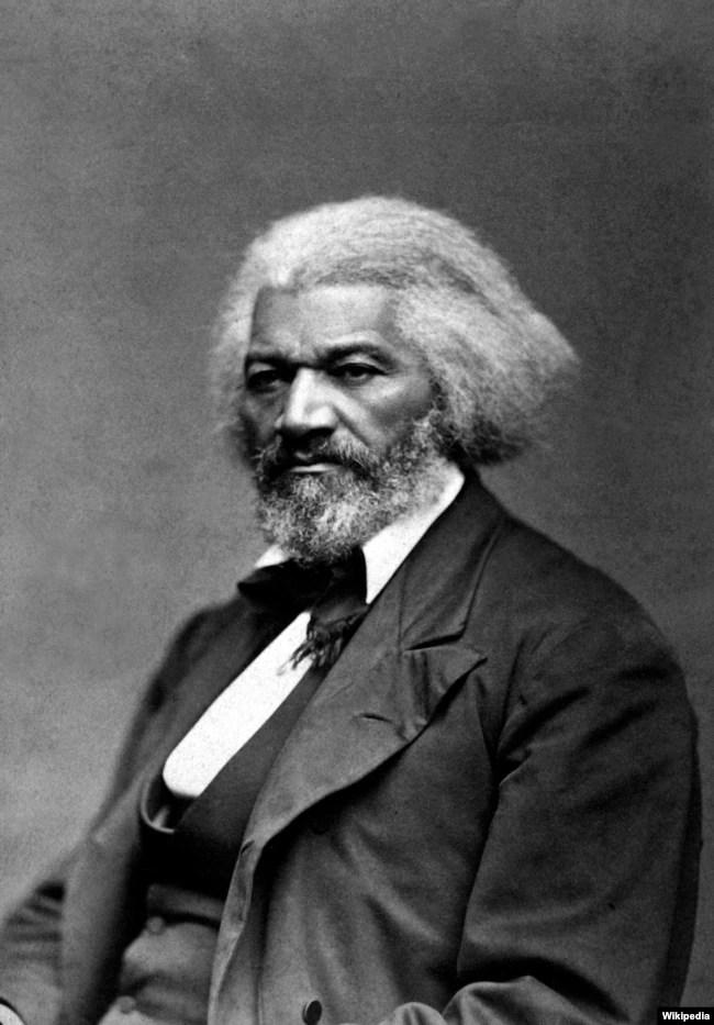 大约在1879年时的著名废奴运动领袖弗雷德里克·道格拉斯。