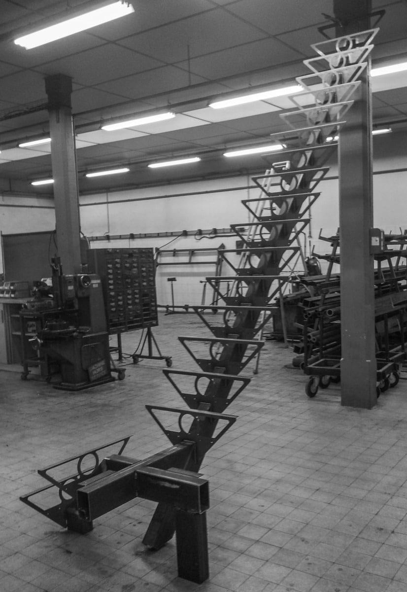 Escalier-métal-design-Vinay-quart tournant