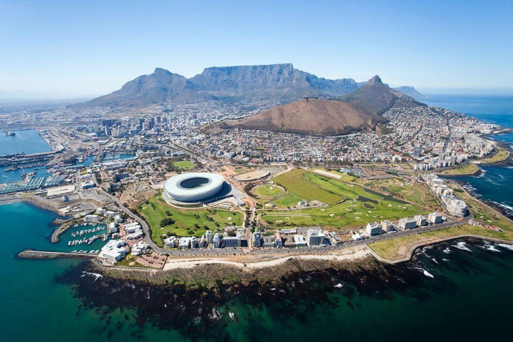 Onde é a Cidade do Cabo - em que tipo de continente? Em qual estado?