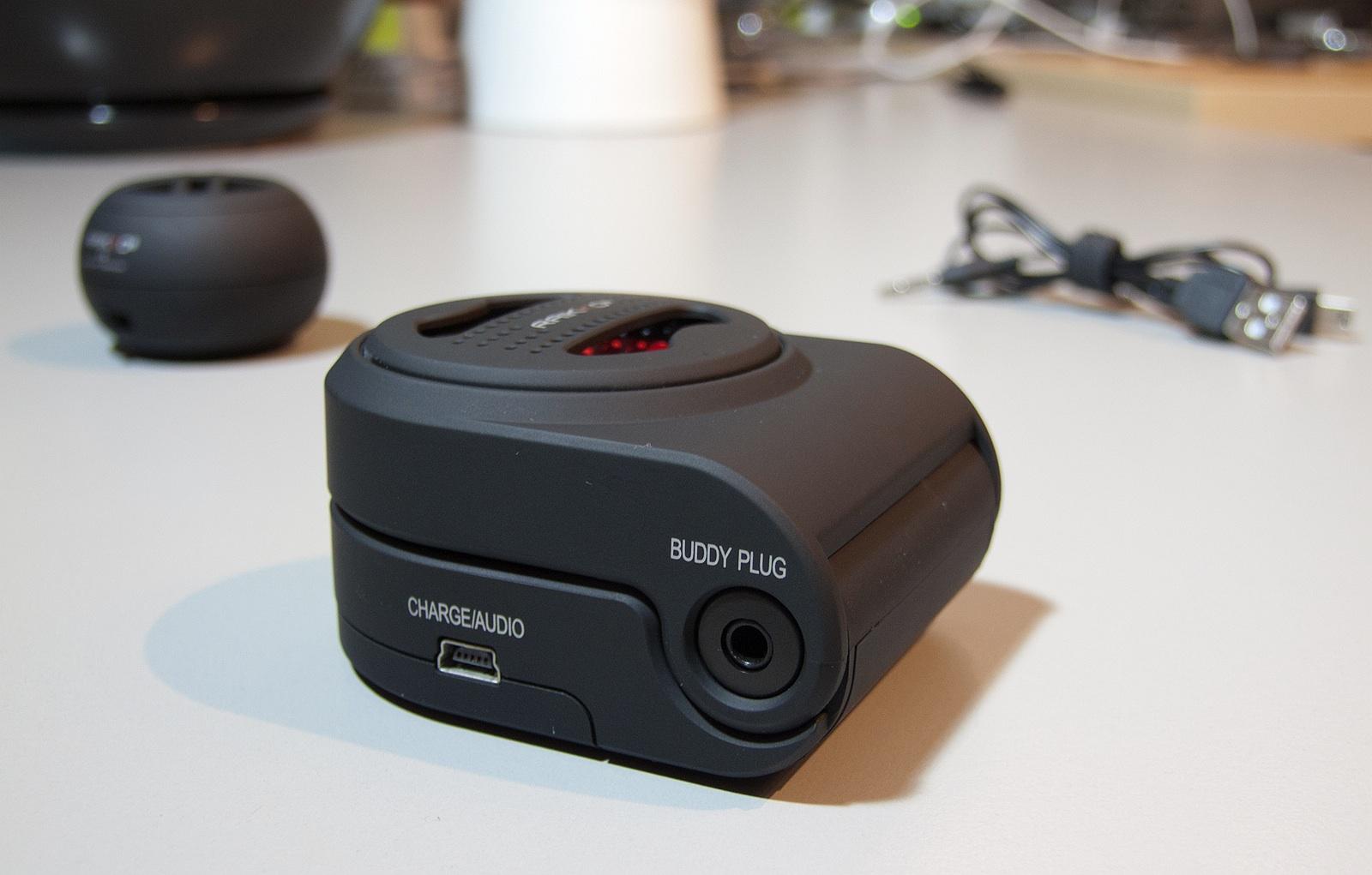 raikko xl vacuum und xs vacuum speaker gdgts. Black Bedroom Furniture Sets. Home Design Ideas