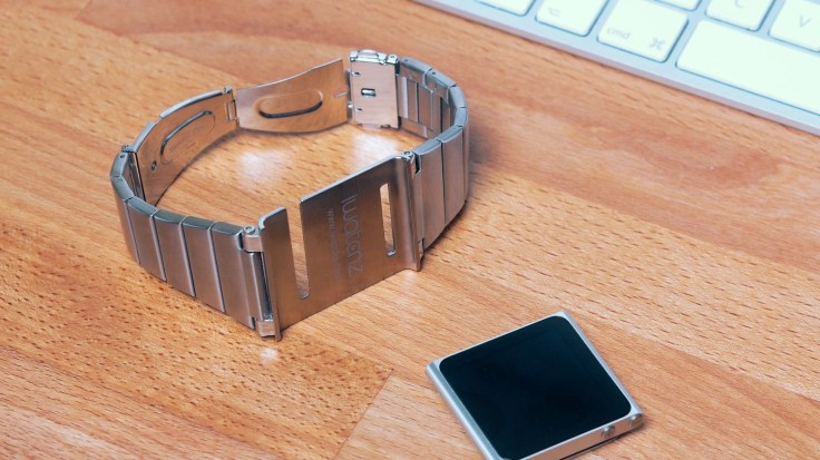 Retro SmartWatch: iPod Nano
