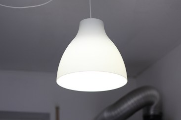 LED im halb geschlossenen Lampenschirm: funktioniert (je nach Schirm).