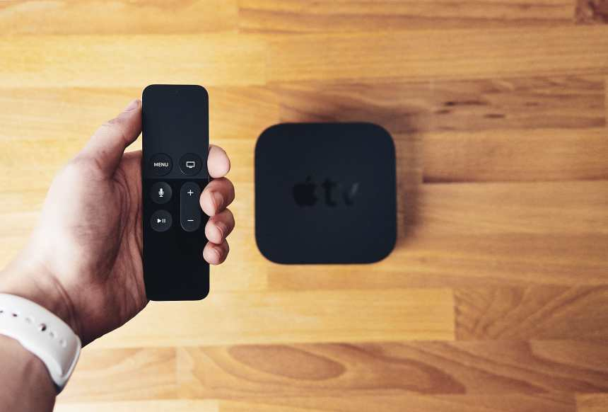 Apple TV 4 8