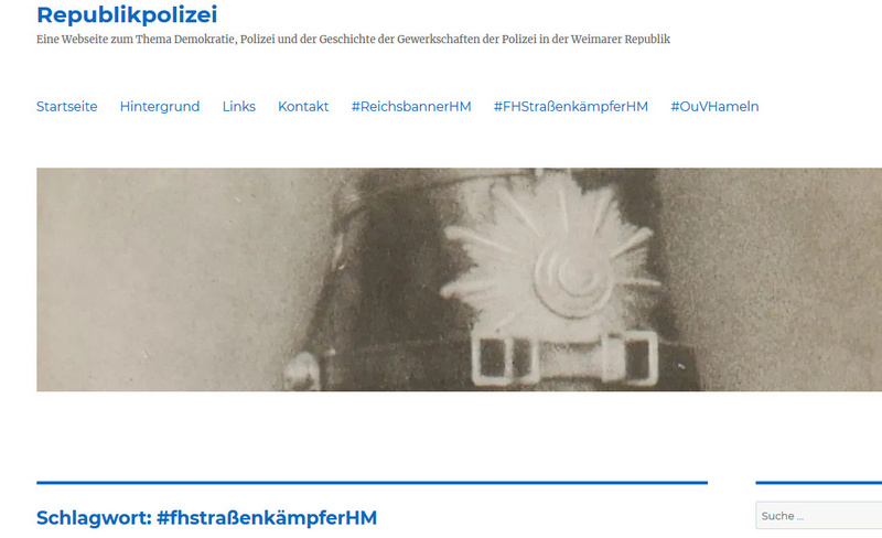 """Polizeiausstellung """"Freunde-Helfer-Straßenkämpfer"""" im Kunstkreis Hameln."""