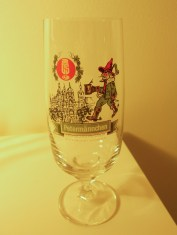 "Another ""beer tulip"", this one for Petermännchen brand beer from the northern city of Schwerin. The glass commemorates that city's lovely castle (photo: author)."