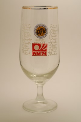 Commemorative glass with logo of 1974 World Cup, GDR Football Federation and players' signatures (photo: R. Newson)