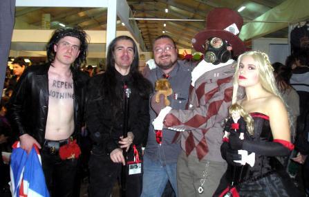 foto di gruppo a tema sine requie (autori compresi!)