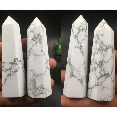 Obelischi Howlite