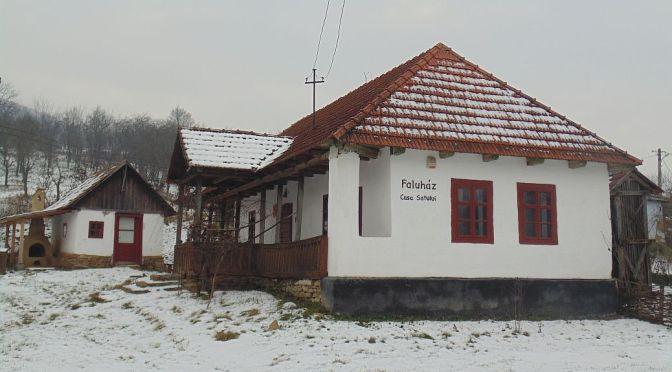 Casa satului (Faluház) – satul Lacu