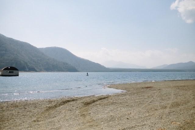 西湖湖畔キャンプ場 湖岸
