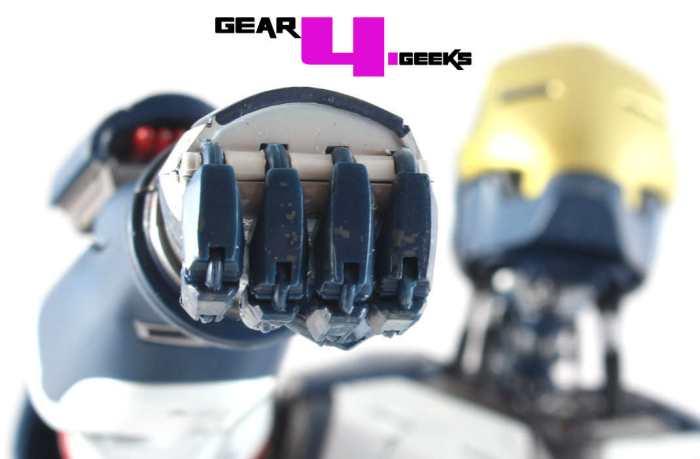 Hot Toys Iron Legion