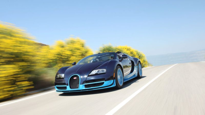 I once drove a Bugatti Veyron in Miami for an entire afternoon. Here's what that's like