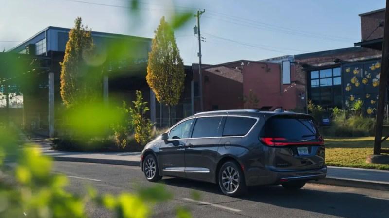 How Amazon Alexa made a long drive in a 2021 Chrysler Pacifica more bearable