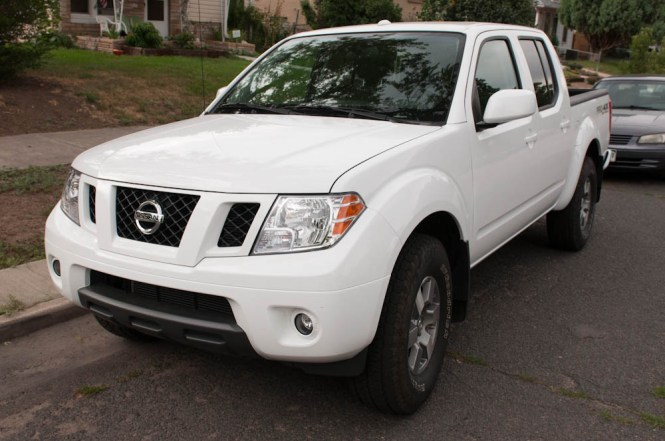 2012 Nissan Frontier PRO-4X Review Behind the Wheel ZipRage-3