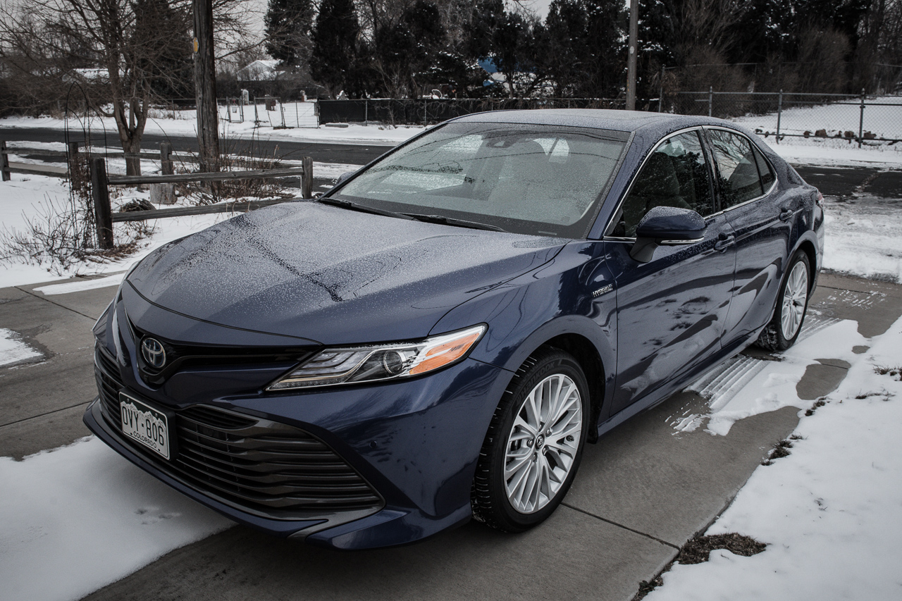 2018 Toyota Camry Hybrid Review 21