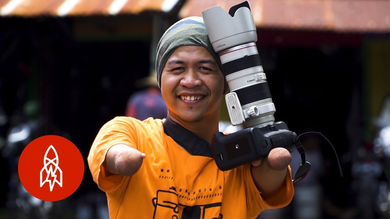 The Photographer Capturing Indonesia With No Hands or Legs 10