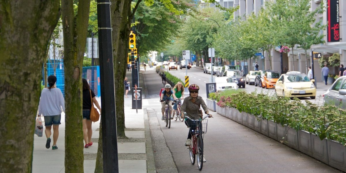 Study Shows that Protected Bike Lanes are a Must 1