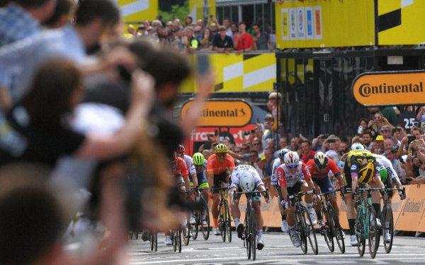 Teunissen Takes Surprise Stage 1 Victory at 2019 Tour de France 6